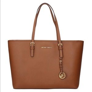 Michael Kors Jet Set TZ, Saffiano Leather Tote!